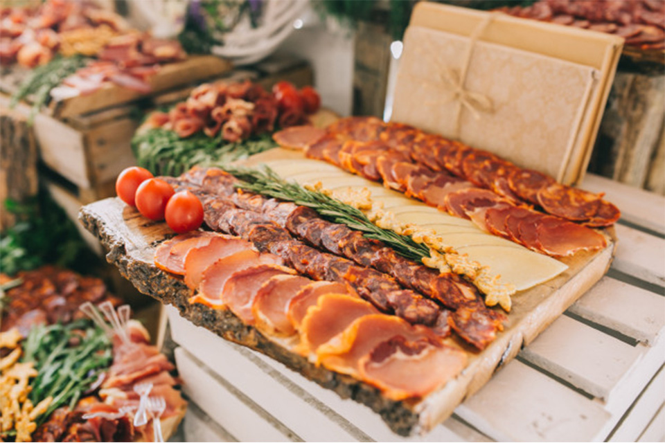 Dec Ex_0005_meat-cheese-and-nutmeg-wedding-buffet-with-various-snacks_1429-3582